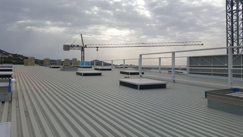 Toiture Terrasse Pour Leroy Merlin En Loule Portugal Ingenieria Y Construccion Del Perfil S A Ingenieria Y Construccion Del Perfil